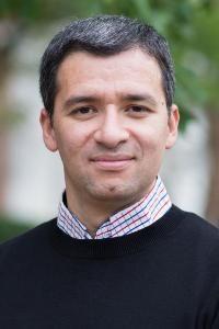 Carlos Siliezar Sosa Faculty Headshot