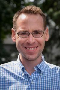 Alexander Loney Faculty Headshot