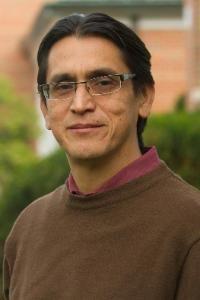 Nestor Quiroa Faculty Headshot