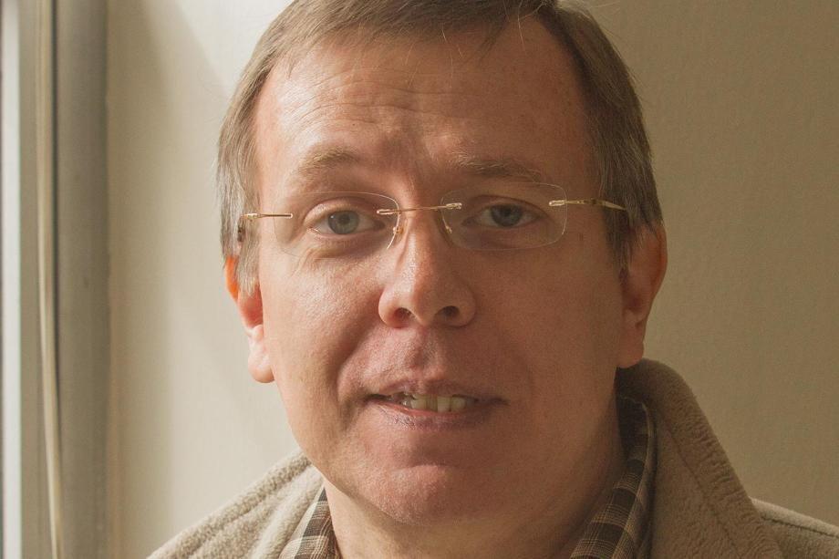 Alan Savage Headshot