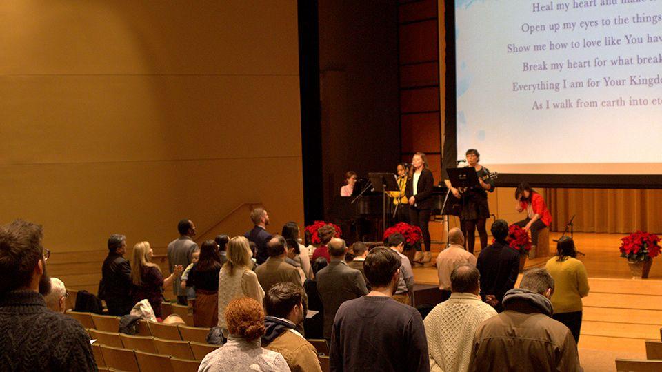 960x540 grad school chapel worship service