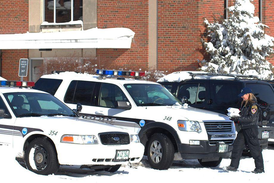 920x613 police cars