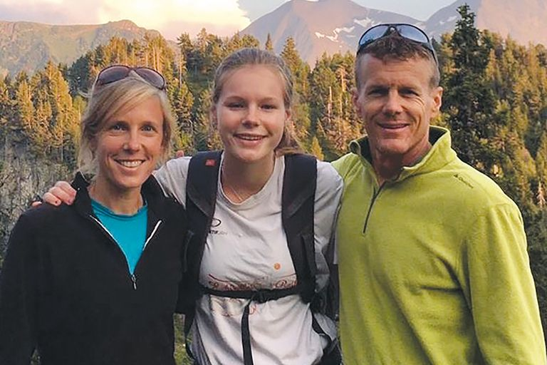 Crystelle VanWingerden with parents Nick '98 and Annie '99 VanWingerden.