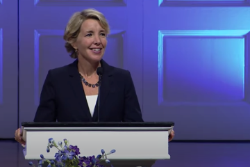 Lisa Beamer Speaking at Wheaton Homecoming Chapel