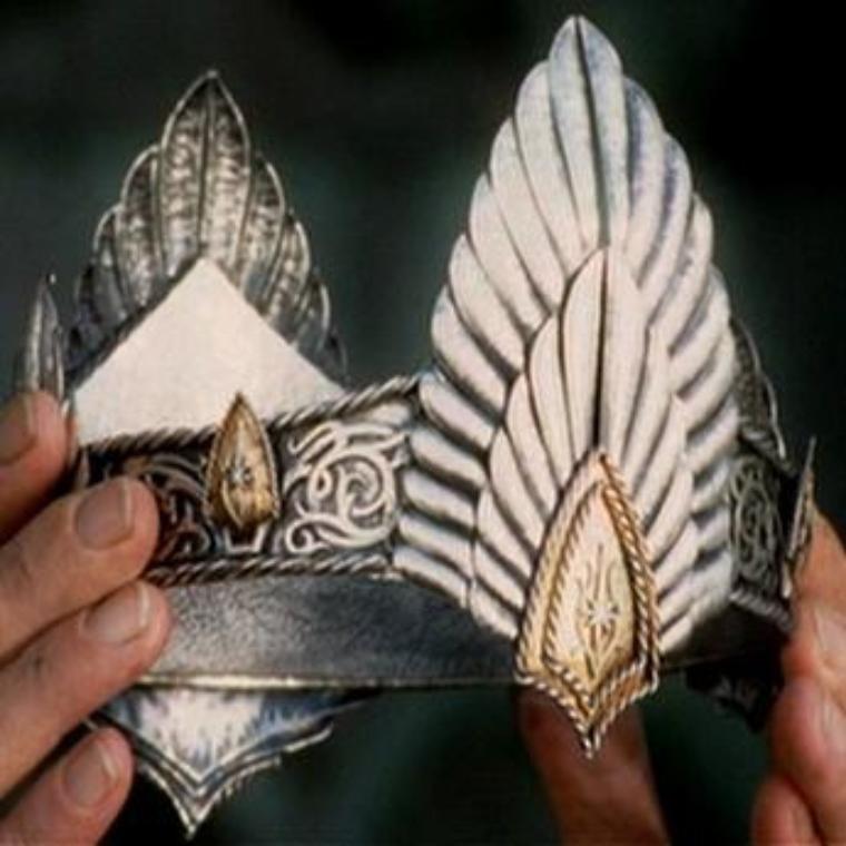 The Coronation of Aragorn Son of Arathorn Crown